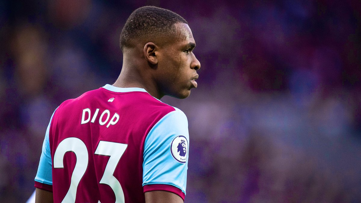 Liverpool have made initial contact with West Ham for the transfer of Issa Diop